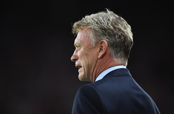 SUNDERLAND, ENGLAND - SEPTEMBER 12:  David Moyes manager of Sunderland looks on prior to the Premier League match between Sunderland and Everton at Stadium of Light on September 12, 2016 in Sunderland, England.  (Photo by Laurence Griffiths/Getty Images)