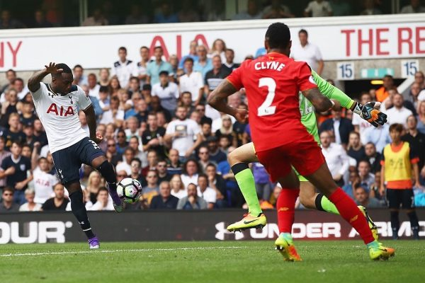 LONDON, ENGLAND - AUGUST 27: Danny Rose of Tottenham Hotspur scores his sides first goal past Simon Mignolet of Liverpool during the Premier League match between Tottenham Hotspur and Liverpool at White Hart Lane on August 27, 2016 in London, England.  (Photo by Julian Finney/Getty Images)