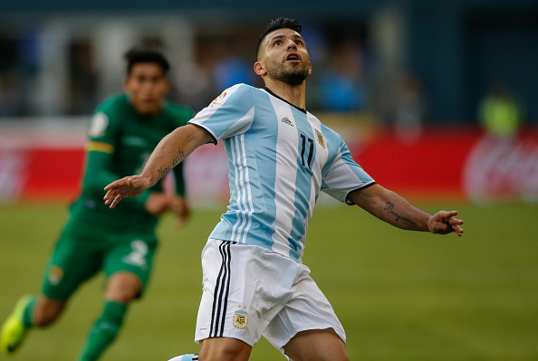 SEATTLE, WA - JUNE 14:  Sergio Aguero #11 of Argentina follows the play against Bolivia during the 2016 Copa America Centenario Group D match at CenturyLink Field on June 14, 2016 in Seattle, Washington.  (Photo by Otto Greule Jr/Getty Images)