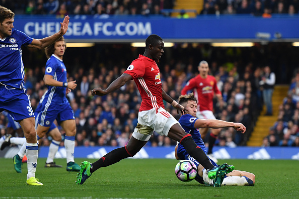 LONDON, ENGLAND - OCTOBER 23: Gary Cahill of Chelsea tackles Eric Bailly of Manchester United during the Premier League match between Chelsea and Manchester United at Stamford Bridge on October 23, 2016 in London, England.  (Photo by Mike Hewitt/Getty Images)