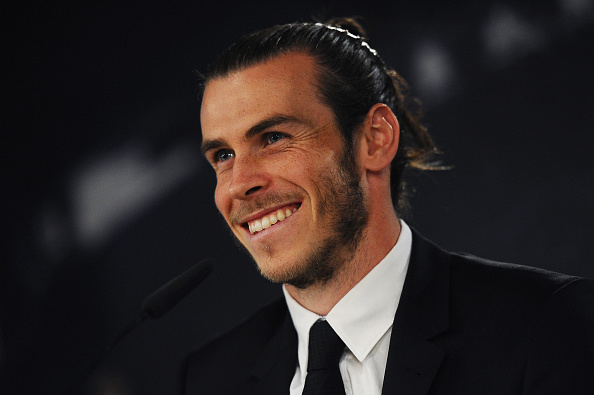 MADRID, SPAIN - OCTOBER 31:  Gareth Bale of Real Madrid holds a press conference at the Santiago Bernabeu stadium after extending his contract with Real until 2022 on October 31, 2016 in Madrid, Spain. Bale has scored 62 goals in 135 appearances for the club and won five trophies in the past three seasons, including the Champions League twice.  (Photo by Denis Doyle/Getty Images)