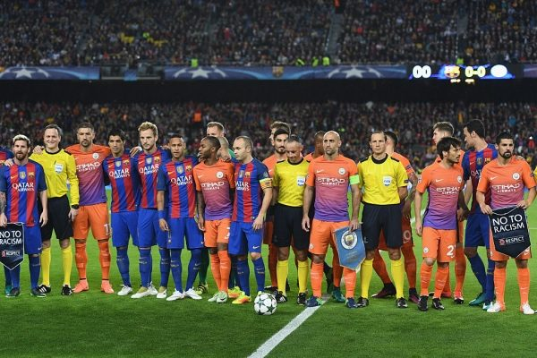 BARCELONA, SPAIN - OCTOBER 19: The Barcelona and Manchester City teams line up ahead of the UEFA Champions League group C match between FC Barcelona and Manchester City FC at Camp Nou on October 19, 2016 in Barcelona, Spain.  (Photo by David Ramos/Getty Images)