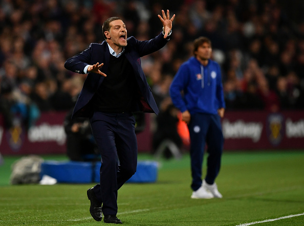 LONDON, ENGLAND - OCTOBER 26: Slaven Bilic, Manager of West Ham United gives his team instructions during the EFL Cup fourth round match between West Ham United and Chelsea at The London Stadium on October 26, 2016 in London, England.  (Photo by Dan Mullan/Getty Images)