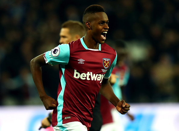 LONDON, ENGLAND - OCTOBER 26: Edmilson Fernandes of West Ham United celebrates scoring his sides second goal during the EFL Cup fourth round match between West Ham United and Chelsea at The London Stadium on October 26, 2016 in London, England.  (Photo by Clive Rose/Getty Images)
