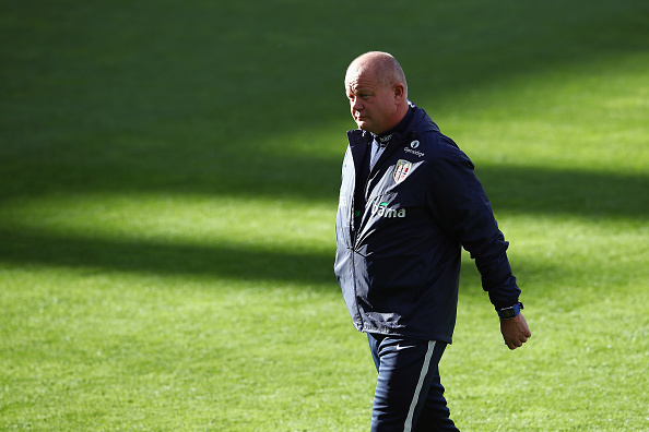 OSLO, NORWAY - SEPTEMBER 03:  Head coach Per-Mathias Hoegmo walks over the pitch during a Norway training session at Ullevaal Stadion on September 3, 2016 in Oslo, Norway.  (Photo by Alex Grimm/Bongarts/Getty Images)