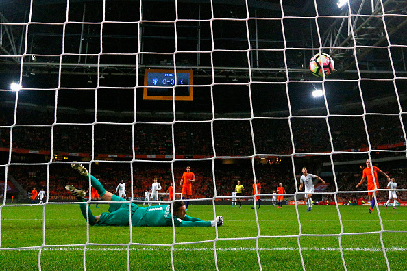 AMSTERDAM, NETHERLANDS - OCTOBER 10:  Paul Pogba of France shoots and scores a goal past Goalkeeper, Maarten Stekelenburg of the Netherlands during the FIFA 2018 World Cup Qualifier between Netherlands and France held at Amsterdam Arena on October 10, 2016 in Amsterdam, Netherlands.  (Photo by Dean Mouhtaropoulos/Getty Images)