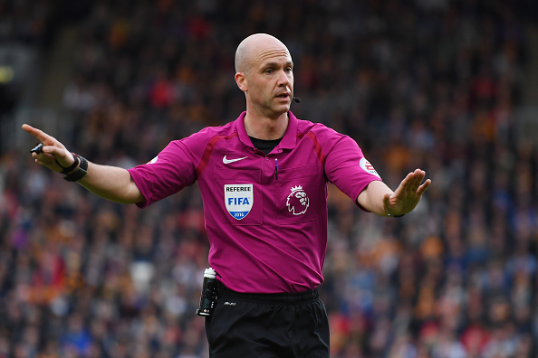 HULL, ENGLAND - OCTOBER 01:  Anthony Taylor  during the Premier League match between Hull City and Chelsea at KCOM Stadium on October 1, 2016 in Hull, England.  (Photo by Laurence Griffiths/Getty Images)