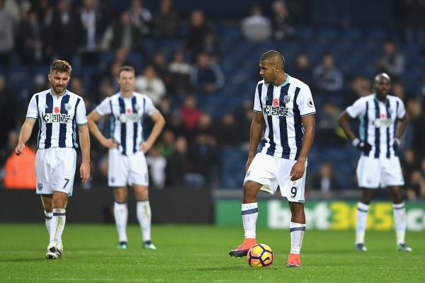 WEST BROMWICH, ENGLAND - OCTOBER 29: Jose Salomon Rondón of West Bromwich Albion (R) is dejected after Manchester City scored during the Premier League match between West Bromwich Albion and Manchester City at The Hawthorns on October 29, 2016 in West Bromwich, England.  (Photo by Laurence Griffiths/Getty Images)