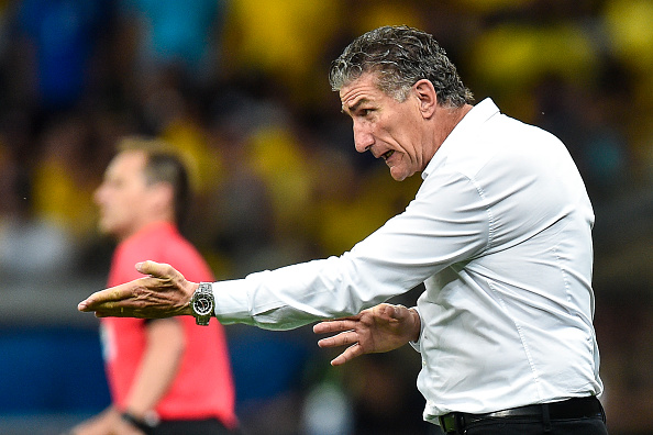 BELO HORIZONTE, BRAZIL - NOVEMBER 10: Edgardo Bauza coach of Argentina a match between Brazil and Argentina as part 2018 FIFA World Cup Russia Qualifier at Mineirao stadium on November 10, 2016 in Belo Horizonte, Brazil. (Photo by Pedro Vilela/Getty Images)