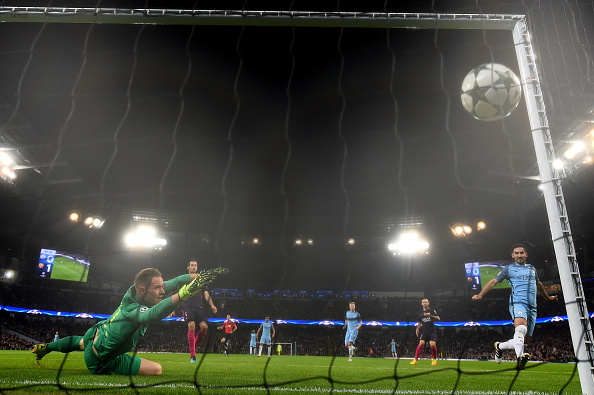 MANCHESTER, ENGLAND - NOVEMBER 01: Ilkay Gundogan of Manchester City (R) scores his sides first goal past Marc-Andre ter Stegen of Barcelona (L) during the UEFA Champions League Group C match between Manchester City FC and FC Barcelona at Etihad Stadium on November 1, 2016 in Manchester, England.  (Photo by Laurence Griffiths/Getty Images)