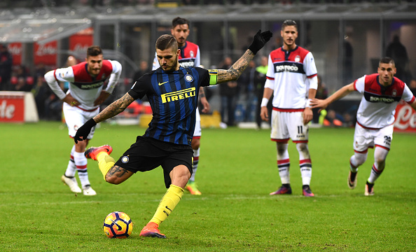 during the Serie A match between FC Internazionale and FC Crotone at Stadio Giuseppe Meazza on November 6, 2016 in Milan, Italy.