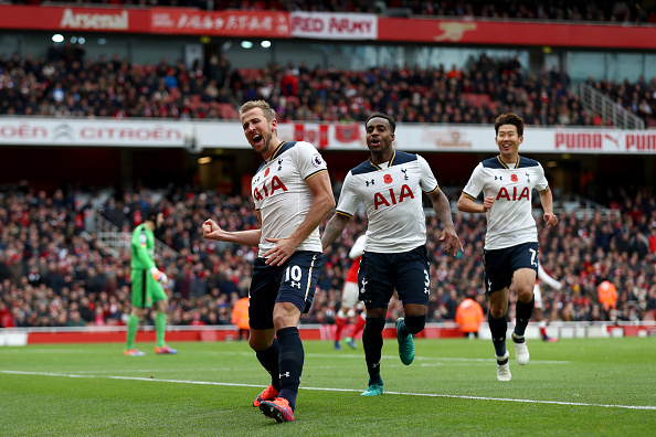 LONDON, ENGLAND - NOVEMBER 06:  Harry Kane of Tottenham Hotspur celebrates scoring his sides first goal with Danny Rose and Heung-Min Son of Tottenham Hotspur during the Premier League match between Arsenal and Tottenham Hotspur at Emirates Stadium on November 6, 2016 in London, England.  (Photo by Clive Rose/Getty Images)