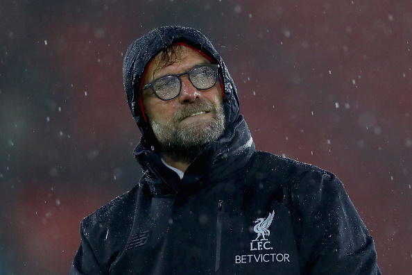 SOUTHAMPTON, ENGLAND - NOVEMBER 19:  Jurgen Klopp, Manager of Liverpool shows appreciation to the fans after the final whislte during the Premier League match between Southampton and Liverpool at St Mary's Stadium on November 19, 2016 in Southampton, England.  (Photo by Clive Rose/Getty Images)