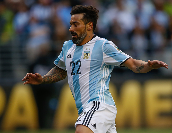 SEATTLE, WA - JUNE 14:  Ezequiel Lavezzi #22 of Argentina follows the play against Bolivia during the 2016 Copa America Centenario Group D match at CenturyLink Field on June 14, 2016 in Seattle, Washington.  (Photo by Otto Greule Jr/Getty Images)