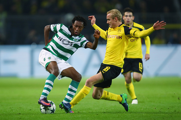 DORTMUND, GERMANY - NOVEMBER 02: Gelson Martins (L) of Sporting is challenged by Sebastian Rode of Dortmund during the UEFA Champions League Group F match between Borussia Dortmund and Sporting Clube de Portugal at Signal Iduna Park on November 2, 2016 in Dortmund, Germany.  (Photo by Alex Grimm/Bongarts/Getty Images)