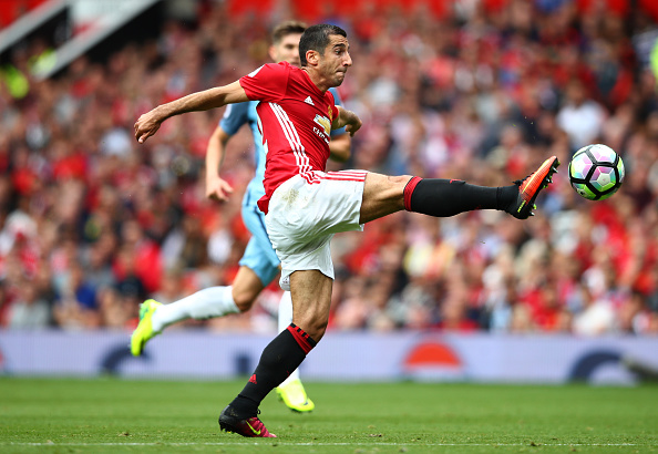 MANCHESTER, ENGLAND - SEPTEMBER 10: Henrikh Mkhitaryan of Manchester United controls the ball during the Premier League match between Manchester United and Manchester City at Old Trafford on September 10, 2016 in Manchester, England.  (Photo by Clive Brunskill/Getty Images)