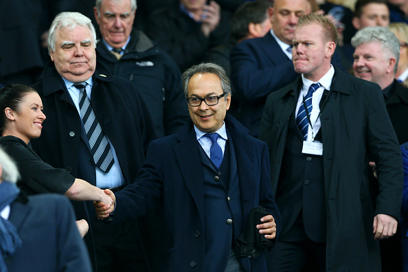 LIVERPOOL, ENGLAND - MARCH 12:  Everton major investor Farhad Moshiri (C) shakes hands with a fan while chairman Bill Kenwright (L) watches on the stand prior to the Emirates FA Cup sixth round match between Everton and Chelsea at Goodison Park on March 12, 2016 in Liverpool, England.  (Photo by Clive Brunskill/Getty Images)