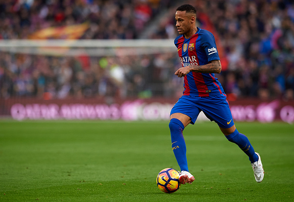 BARCELONA, SPAIN - NOVEMBER 19:  Neymar JR of Barcelona runs with the ball during the La Liga match between FC Barcelona and Malaga CF at Camp Nou stadium on November 19, 2016 in Barcelona, Spain.  (Photo by Manuel Queimadelos Alonso/Getty Images)