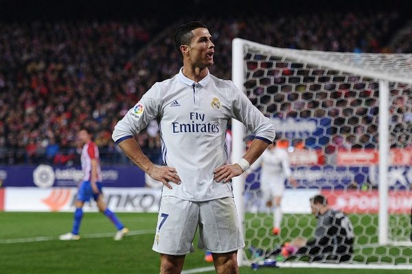 MADRID, SPAIN - NOVEMBER 19:  Cristiano Ronaldo of Real Madrid celebrate after scoring Real's 3rd goal during the La Liga match between Club Atletico de Madrid and Real Madrid CF at Vicente Calderon Stadium on November 19, 2016 in Madrid, Spain.  (Photo by Denis Doyle/Getty Images)