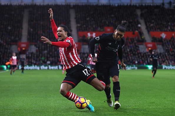 during the Premier League match between Southampton and Liverpool at St Mary's Stadium on November 19, 2016 in Southampton, England.