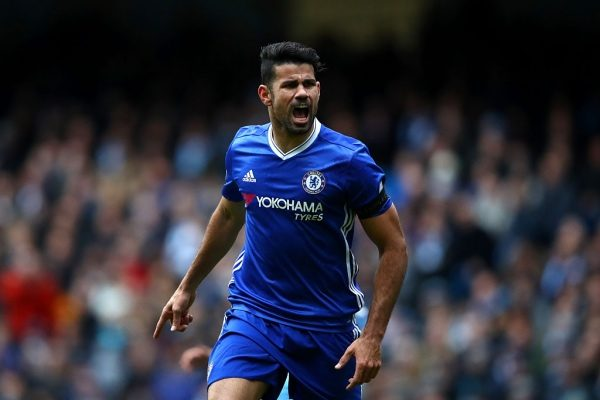 MANCHESTER, ENGLAND - DECEMBER 03:  Diego Costa of Chelsea celebrates scoring his team's first goal during the Premier League match between Manchester City and Chelsea at Etihad Stadium on December 3, 2016 in Manchester, England.  (Photo by Clive Brunskill/Getty Images)