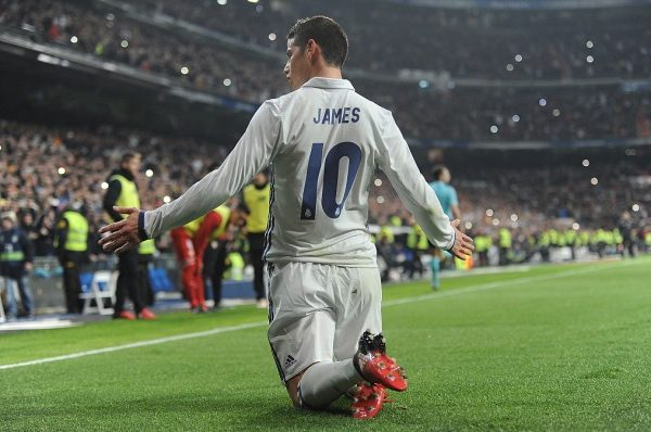 MADRID, SPAIN - JANUARY 04:  James Rodriguez of Real Madrid celebrates after scoring Real's 3rd goal during the Copa del Rey Round of 16 First Leg match between Real Madrid and Sevilla  at Bernabeu on January 4, 2017 in Madrid, Spain.  (Photo by Denis Doyle/Getty Images)