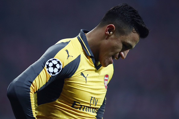 MUNICH, GERMANY - FEBRUARY 15:  Alexis Sanchez of Arsenal reacts during the UEFA Champions League Round of 16 first leg match between FC Bayern Muenchen and Arsenal FC at Allianz Arena on February 15, 2017 in Munich, Germany.  (Photo by Alex Grimm/Bongarts/Getty Images)